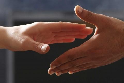 Välkomnande händer